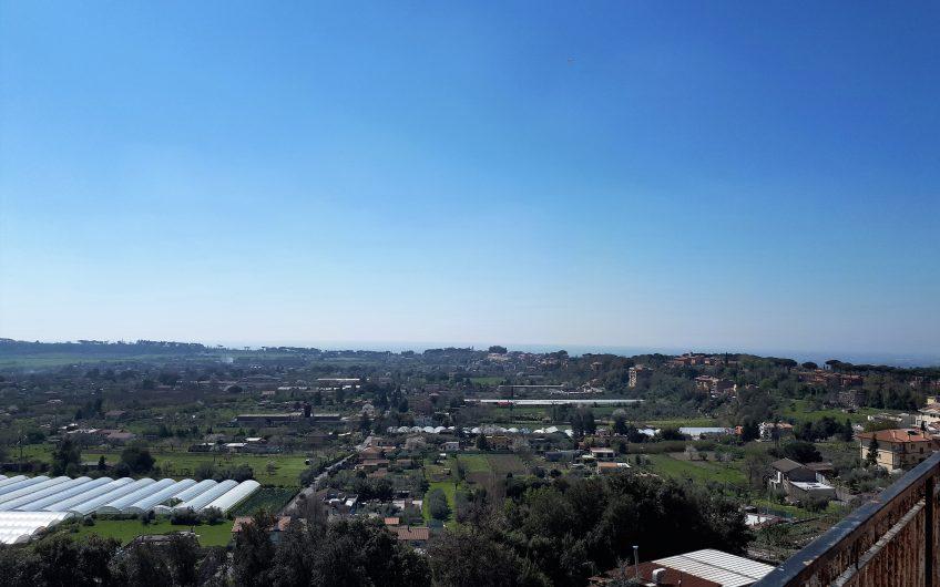 Attico con grande terrazza panoramica