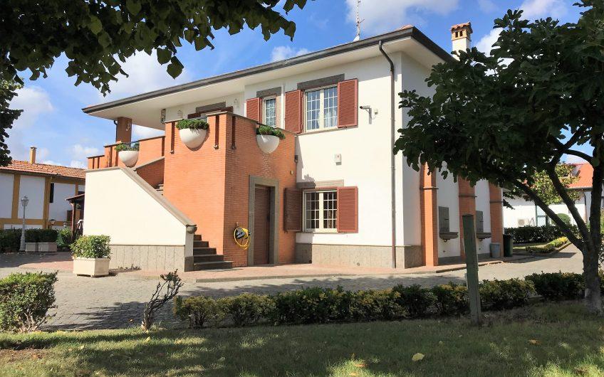 Villa Unifamiliare già predisposta per due abitazione indipendenti